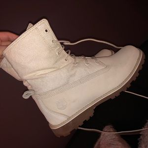 Kids size 5 cream white timberlands